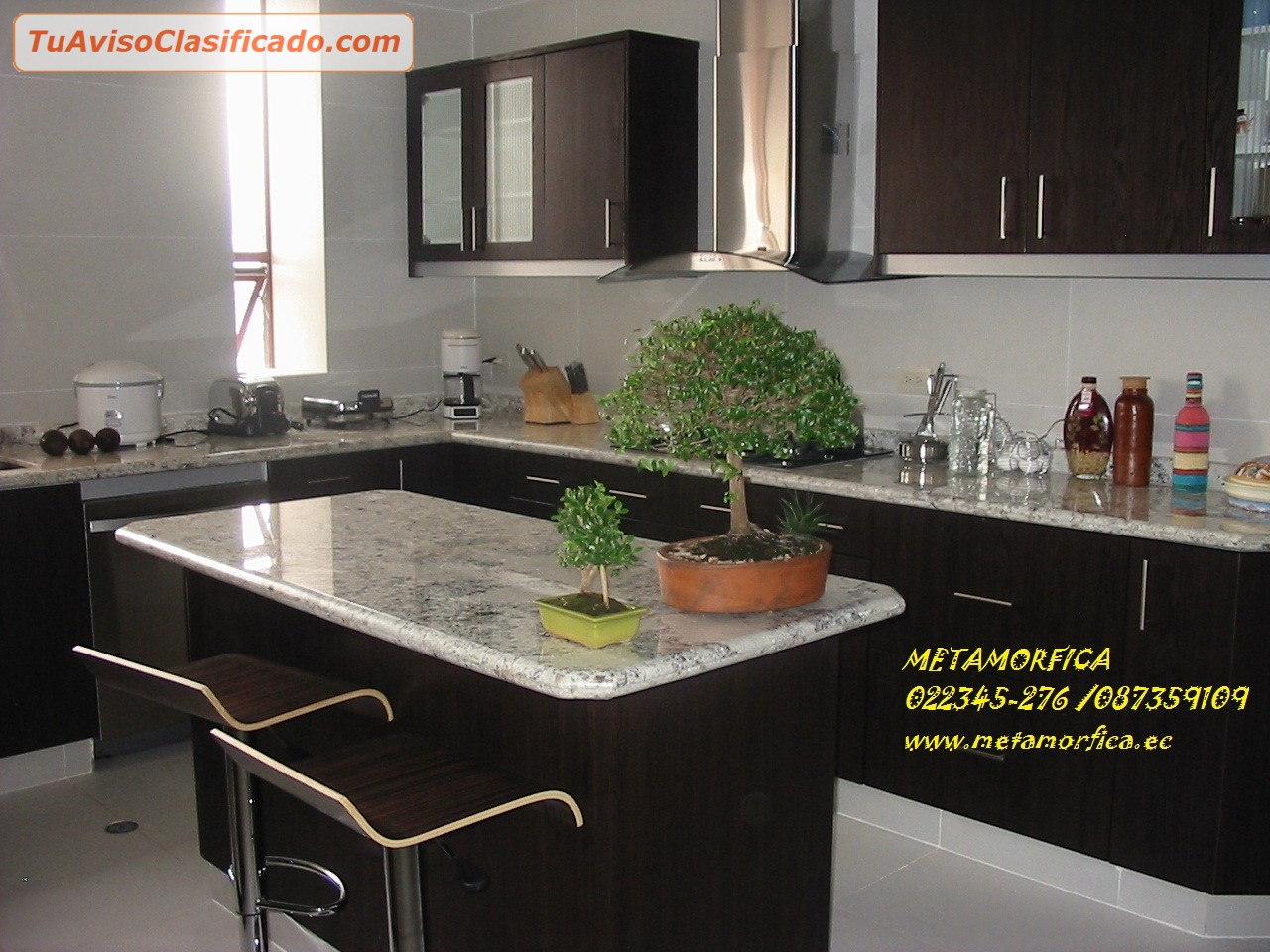Marmoles maderas y granitos mobiliario y equipamiento for Colores marmoles cocina