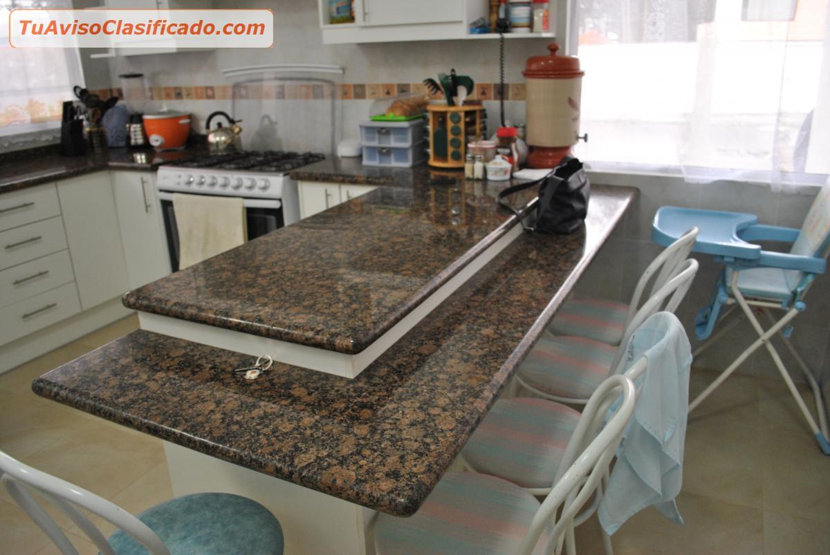 Mesones de granito desde 65mtl muebles desde 140 m2 for Modelos de mesones de cocina