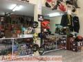 Tienda de accesorios, repuestos, lubricantes y artículos para motociclistas